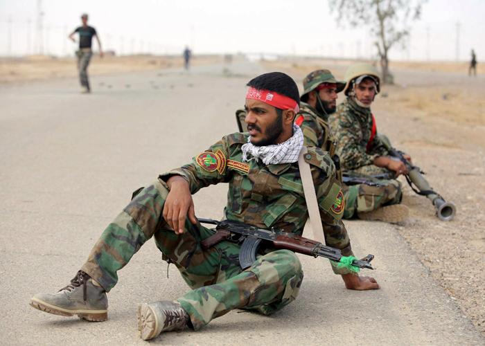 العراق عالق في مأزق الحشد الشعبي.. قضية ستحدد مستقبل البلد