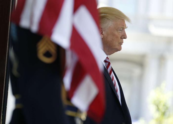 متى يمزق الرئيس الأميركي الاتفاق النووي مع إيران
