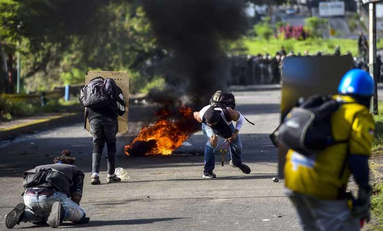 10 قتلى الأحد في فنزويلا في يوم الانتخابات وواشنطن تتوعد مادورو بعقوبات