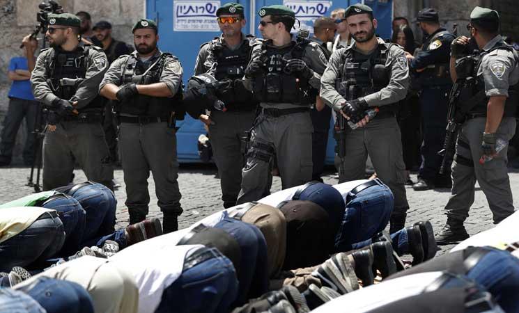 """مصر تطالب إسرائيل بوقف """"العنف"""" وتحذر من عواقب التصعيد في المسجد الأقصى"""