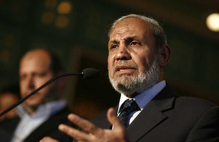 وفد من حماس يزور عباس ويعلن عن مبادرة مصالحة اليوم