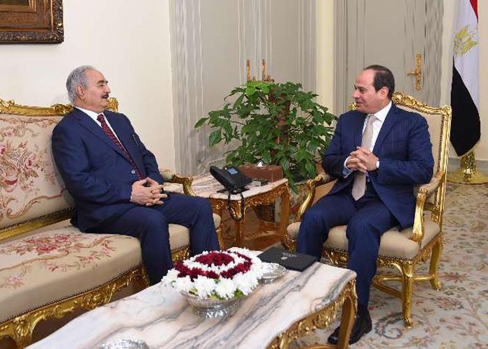 حفتر يطلب دعم القاهرة ضد تحركات إيطاليا