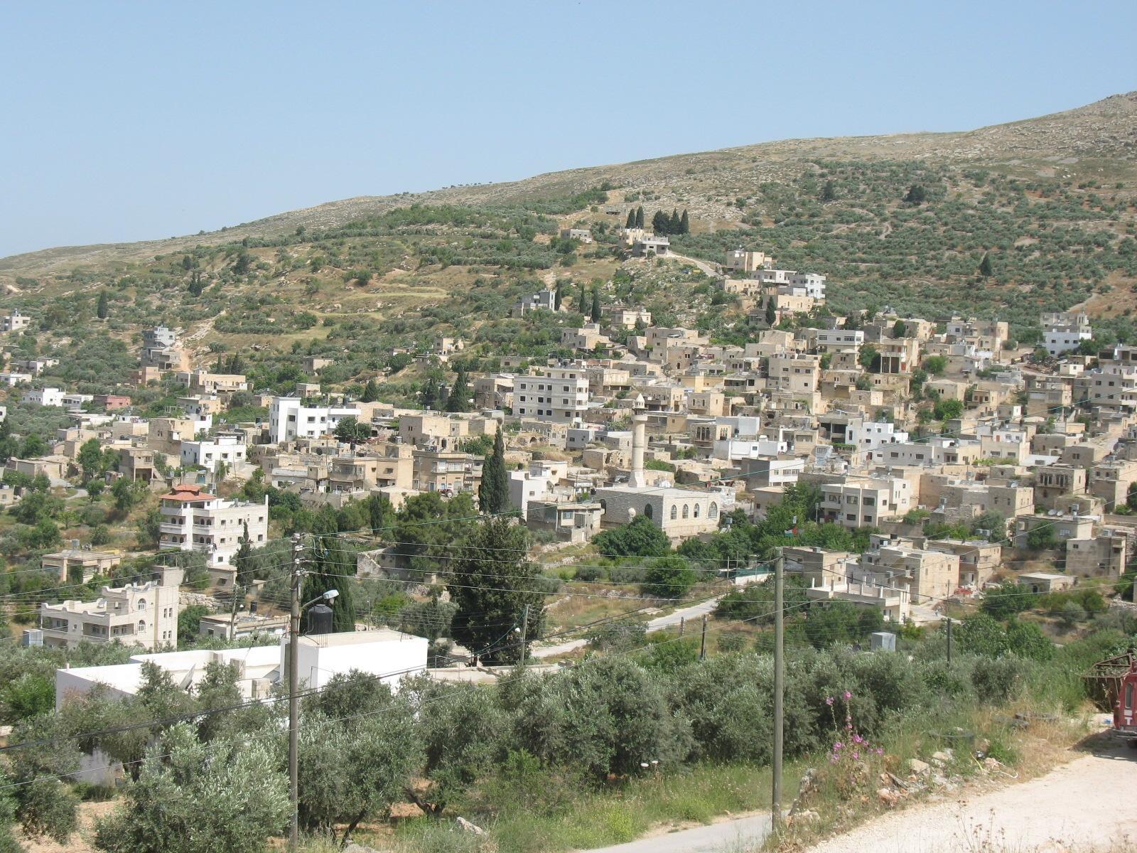 من مخيم قلنديا إلى كوبر المحاصرة ـ ثنائية العذاب والصمود