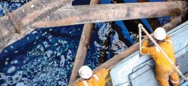 النفط بين تراجع الأسواق ومؤشرات على شح المعروض