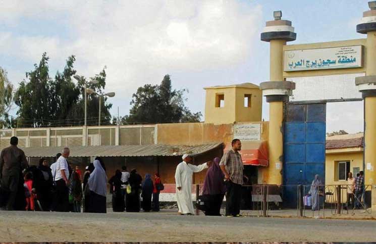 نقل 100 معتقل مصري من سجن في الإسكندرية إلى مكان مجهول