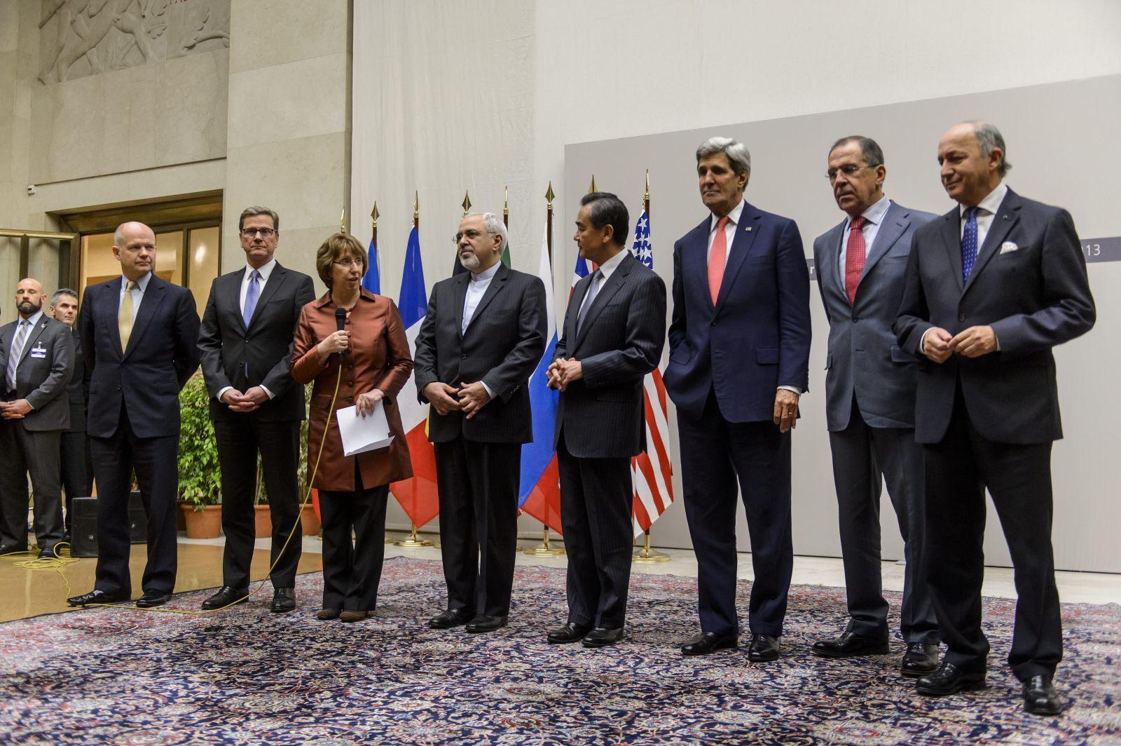تحولات الموقف الأمريكي من الاتفاق النووي مع إيران