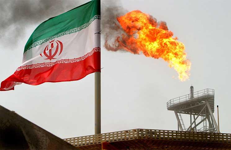 انخفاض المخزون ونمو الطلب محليا يكبحان صادرات إيران النفطية