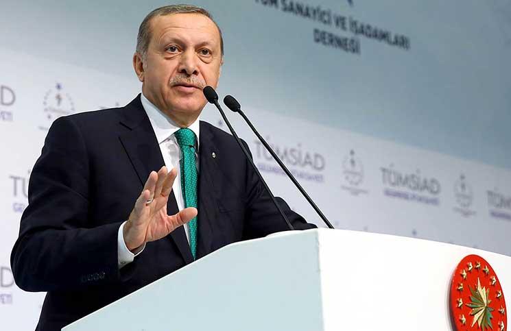 الحكومة التركية تبحث مع كبار رجال الأعمال تعزيز الصناعة
