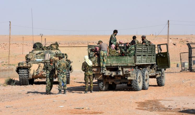 النظام يتقدم بدير الزور ويخسر جنودا بحلب