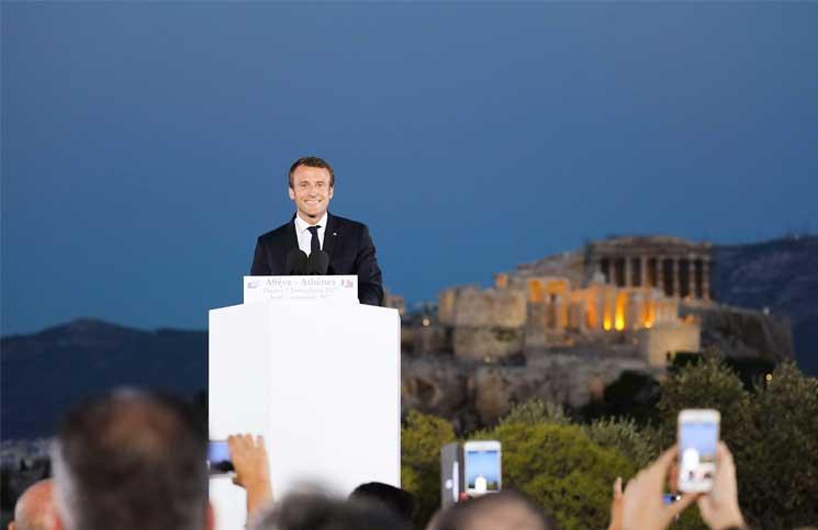 ماكرون يبحث مع اليونان الاستثمار في البنى التحتية والتقنيات الجديدة ويدعو إلى «إعادة بناء» الاتحاد الأوروبي