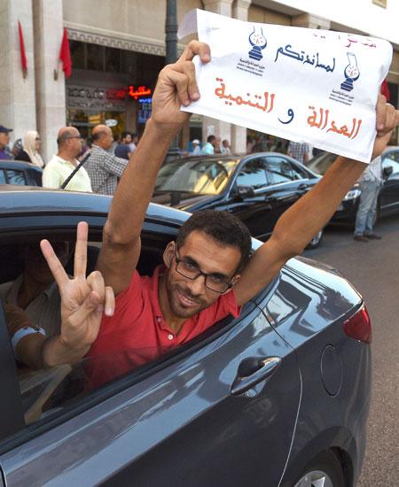 إخوان المغرب يعلنون دعمهم للعودة والقرني
