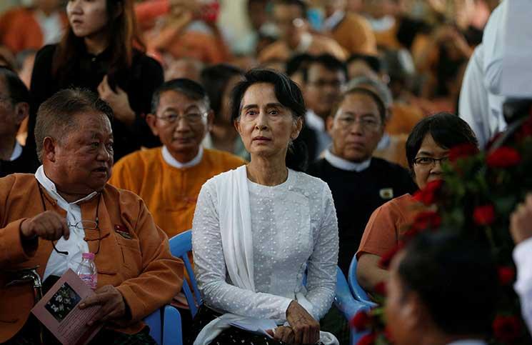 """مسؤولة أممية تطالب """"سو تشي"""" بالتحرك لحماية الروهينغا وعريضة تطالب بإحالتها إلى """"العدل الدولية"""""""