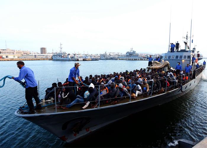 أزمة الهجرة تفقد أوروبا هدوءها: الانتقال من الدعم إلى ابتزاز الدول