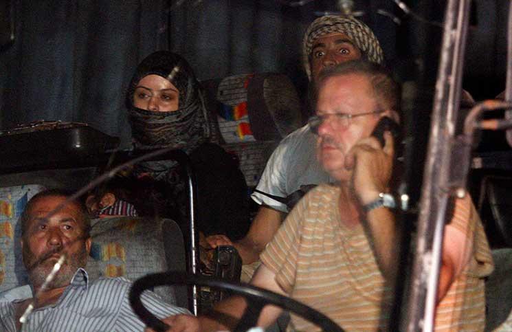 «التحالف» يجبر قافلة «الدولة» المتجهة نحو الحدود العراقية على العودة لمناطق النظام السوري