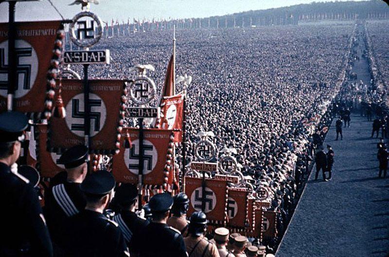 الصراع بين ألمانيا الجديدة والنازية الجديدة