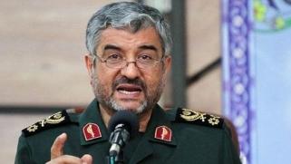«الحرس الثوري» ينذر واشنطن لإبعاد قواعدها العسكرية
