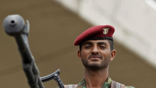 صالح يلمّح إلى مغادرة اليمن نتيجة الضغوط الحوثية