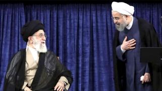 مبادرة إلغاء منصب الرئيس تحكم قبضة المرشد على النظام