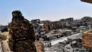 """نهاية """"داعش"""" في الرقة… وهواجس بشأن المستقبل السياسي للمدينة"""