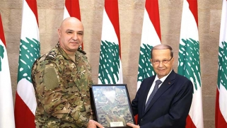 الحريري يحضر اليوم «عرض الاستقلال» في بيروت… ماذا وراء ليونة «حزب الله» تجاهه؟