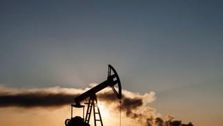 روسيا تبعث بإشارات متباينة بشأن تمديد خفض إنتاج النفط