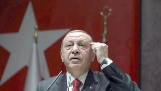 أردوغان في اليونان لفك العزلة الأوروبية على تركيا