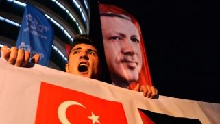 شعارات أردوغان تربك انعقاد قمة إسطنبول
