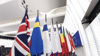 بريكست: بريطانيا تسابق نفسها في تقديم التنازلات
