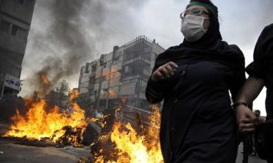 النظام الإيراني يستعين بأنصاره لقمع الشارع المنتفض