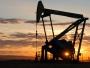النفط يعوض خسائره بفعل إغلاق خط أنابيب في بحر الشمال وانفجار إرهابي في نيويورك