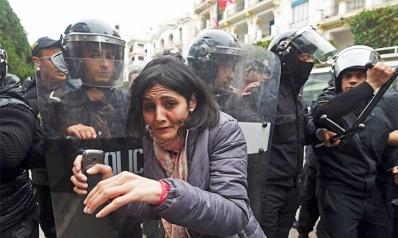 الفوارق بين ثورات «الغلابة»: مصر وإيران وتونس
