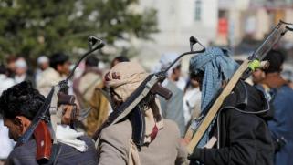 الحكومة اليمنية: انتهاكات الحوثيين ضد المدنيين «جرائم حرب»