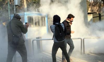 انتفاضة الفقراء تهز أركان السلطة في إيران