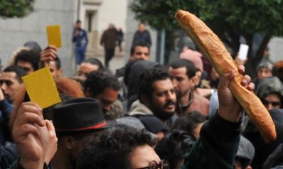 خيارات محدودة أمام تونس لكسب ثقة المحتجين على زيادة الأسعار