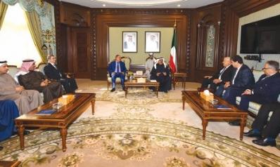 الكويت تؤكد أهمية تطوير العلاقات مع بغداد