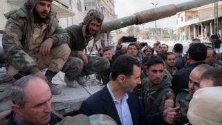 الأسد في الغوطة الشرقية متحديا التهديدات الغربية