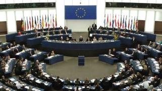 الاتحاد الأوروبي يهدد ترامب بفرض رسوم جمركية على سلع أمريكية