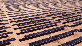 السعودية وصندوق «سوفت بنك» الياباني ينشئان أكبر شركة طاقة شمسية في العالم