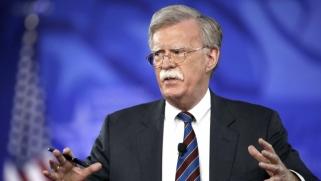 إيران تلجأ إلى الصين وروسيا بمواجهة صقور ترامب