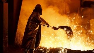 """الصين تحذر من نتائج """"فادحة"""" لحرب تجارية مع الولايات المتحدة"""