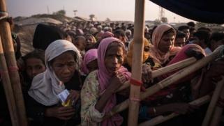 ميانمار تبني قواعد عسكرية مكان منازل ومساجد مسلمي الروهينغا