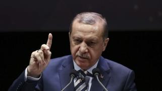 """""""بنحبك بزاف"""".. أردوغان يتحدث العربية ويحيي الجزائريين"""