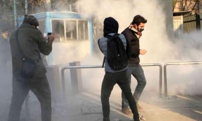 إيران تستشعر انفجارا اجتماعيا مع اشتداد وطأة العقوبات الأميركية