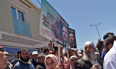 صراع الأجنحة يشتد داخل الحزب الحاكم في الجزائر