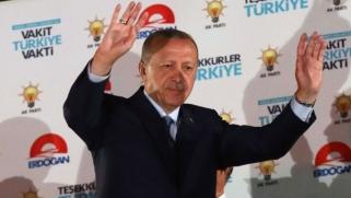 غالبية مطلقة من الأصوات تعزز إحكام قبضة أردوغان على السلطة
