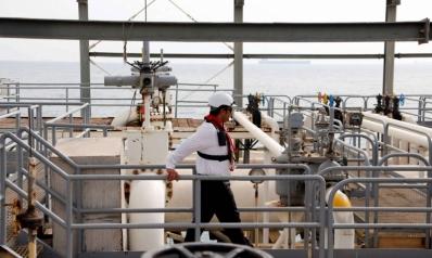 واشنطن تقرر خنق صادرات نفط إيران بشكل تام