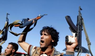 إيران توظف حزب الله لتأخير هزيمة الحوثيين في معقلهم بشمال اليمن