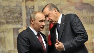 تركيا تعرج بين مصالحها الروسية والغربية