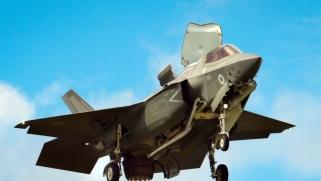 ماذا ستختار تركيا: أس-400 الروسية أم أف-35 الأميركية