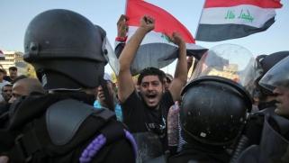 العراقيون يرفعون سقف مطالبهم: الشعب يريد إسقاط النظام